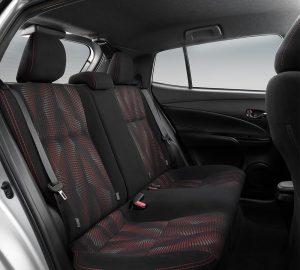 Toyoya Yaris Hatchback 2018 asientos traseros