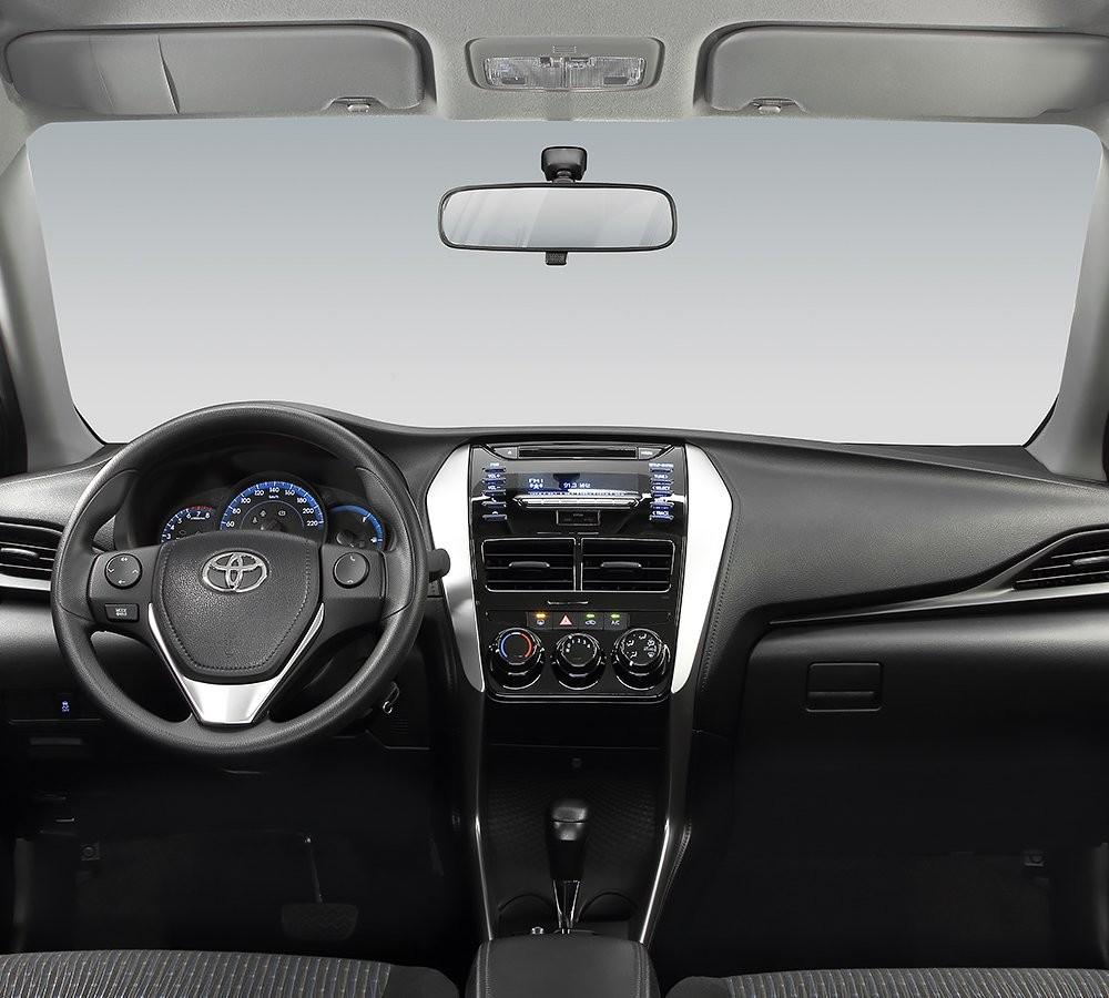 Toyota Corolla 2020 Llega A México Conoce Precios Y: Toyoya Yaris Hatchback 2018 Frente Interior