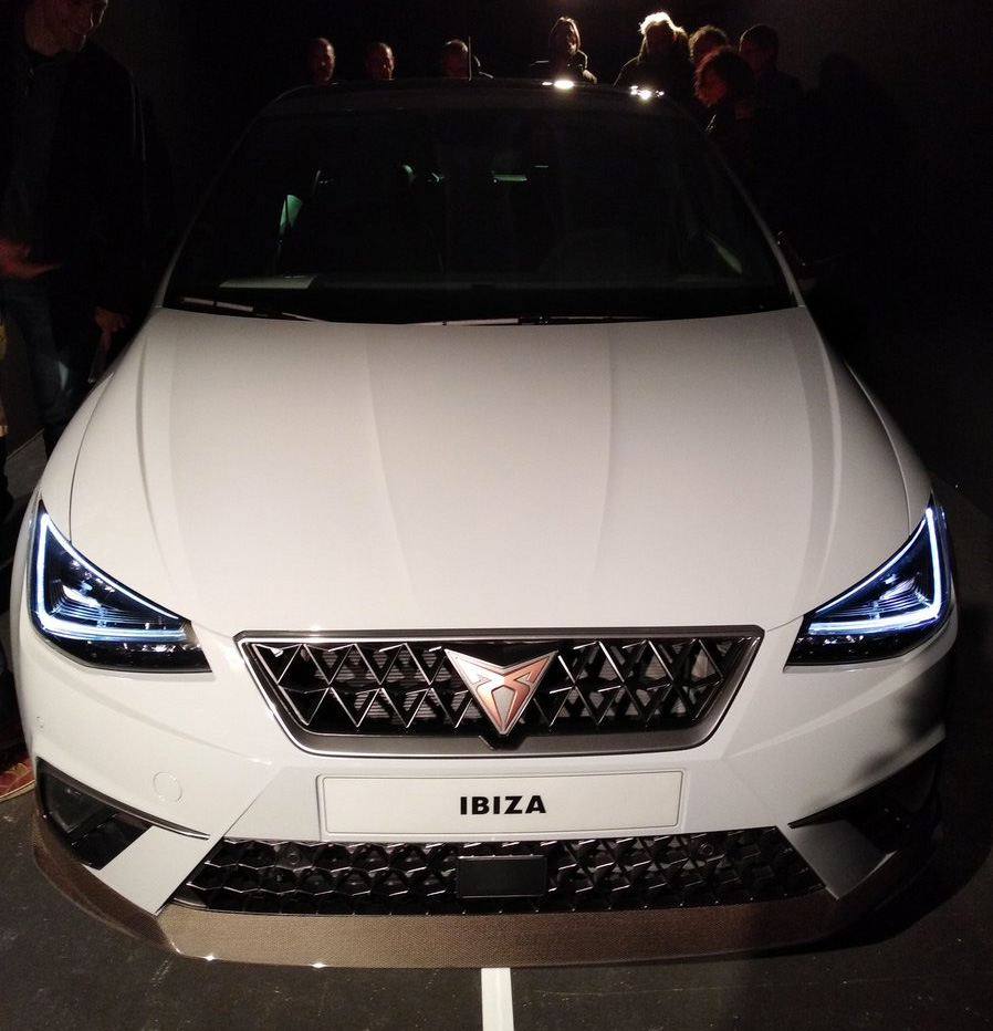 Cupra Ibiza color blanco frente