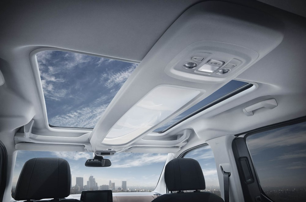 Peugeot Rifter 2019 - Interior quemacocos eléctrico