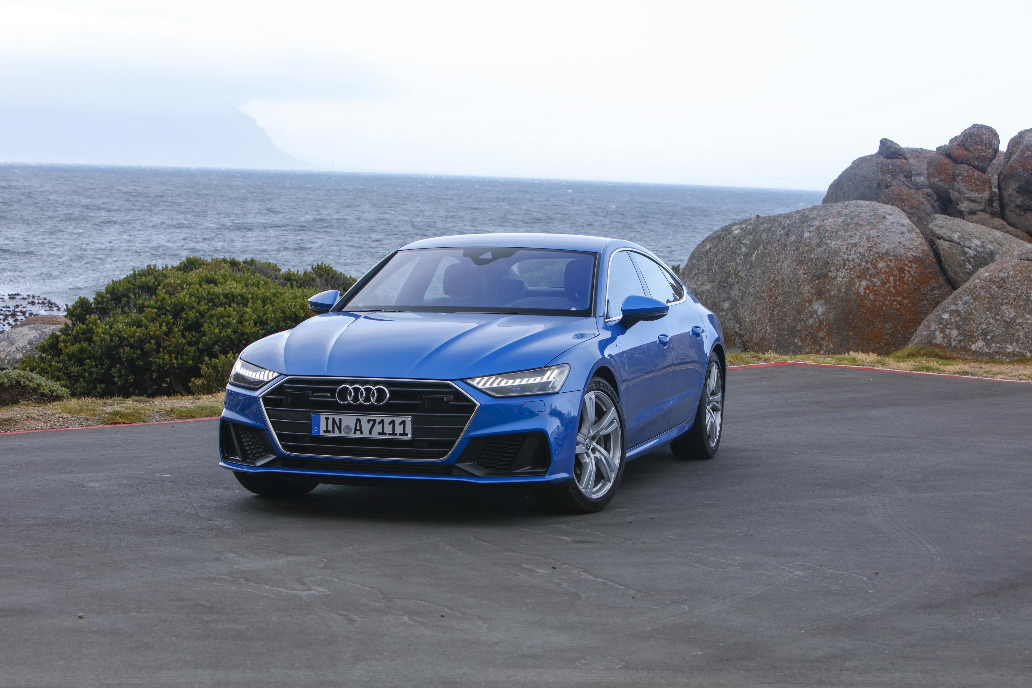 Audi A7 Sportback 2019 azul frente