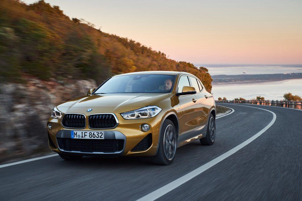 BMW X2 en carretera