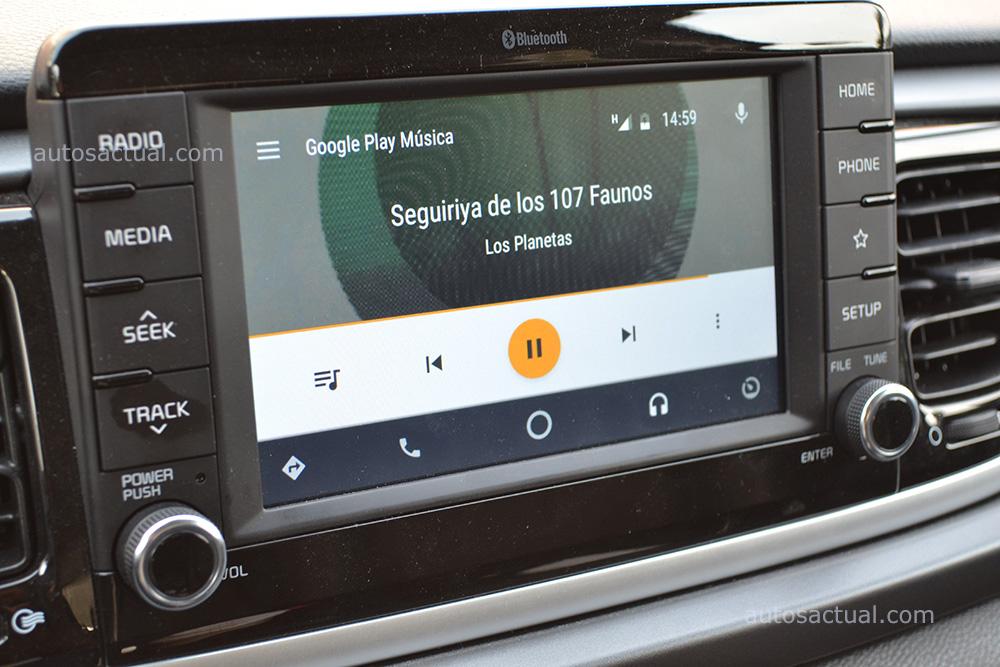 Kia Rio 2018 hatchback prueba en México - interior Android Auto