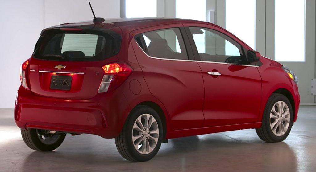 Chevrolet Spark 2019 atrás