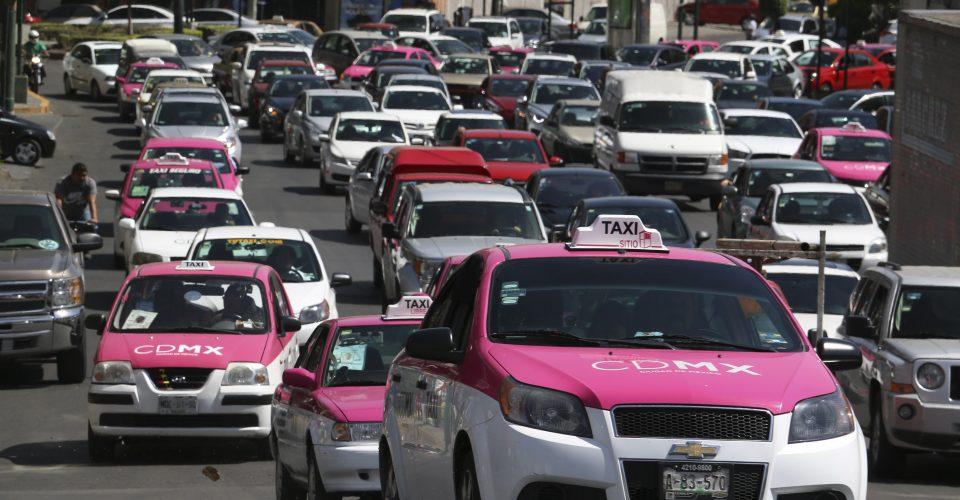 Taxis de CDMX utilizarán taxímetro digital y app a la Uber