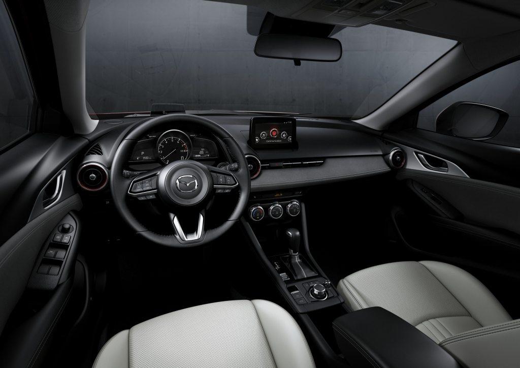 Mazda CX-3 2019 interior renovado