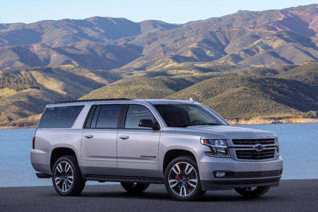 Chevrolet Suburban RST 2019 lado