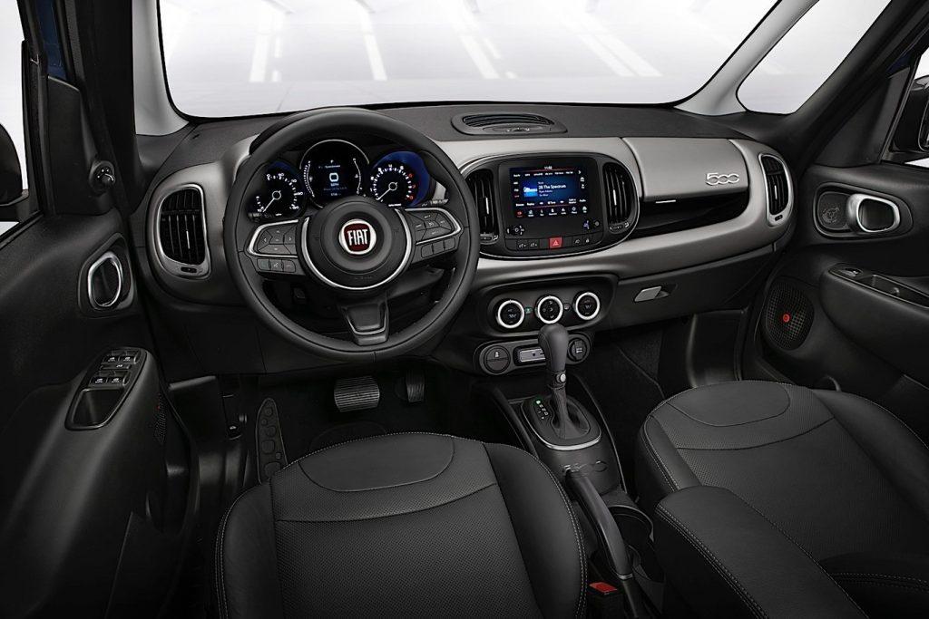 Fiat 500L 2018 interior