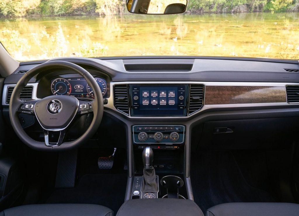 Volkswagen Terramont interior