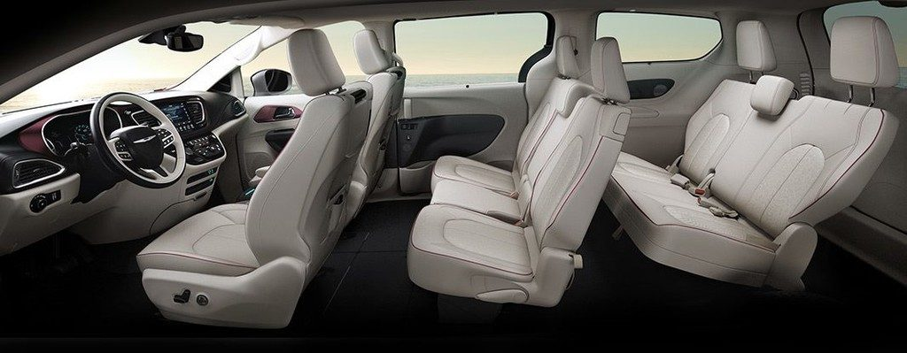 Chrysler Pacifica Limited interior