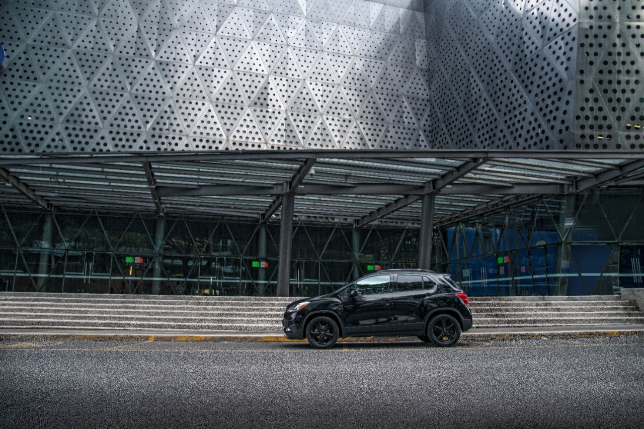 Chevrolet Trax Midnight 2019 lateral
