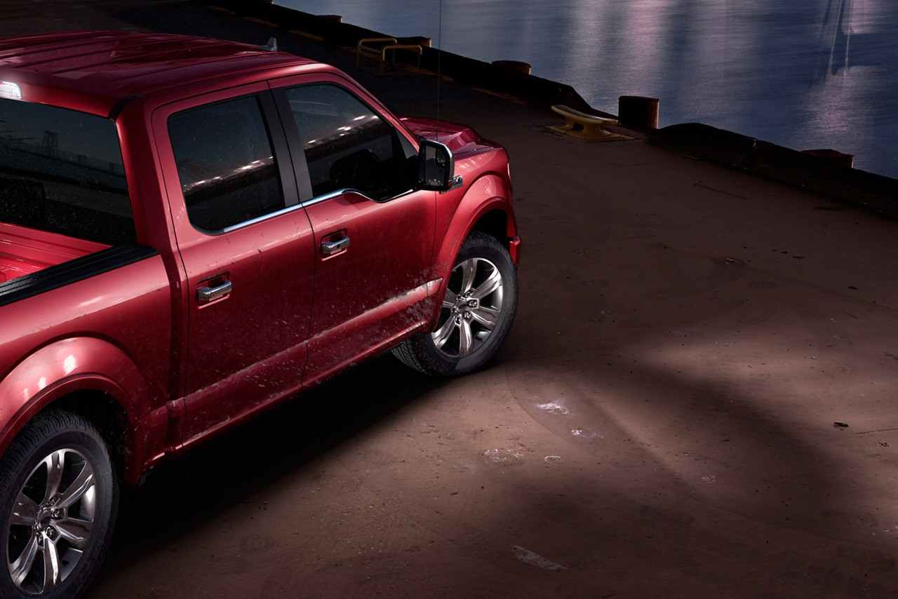 Ford F-150 Limited lateral