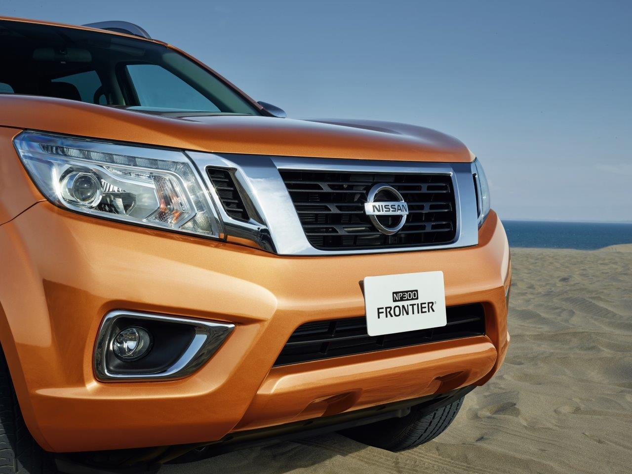 Nissan NP300 Frontier Platinum LE 2019 frente