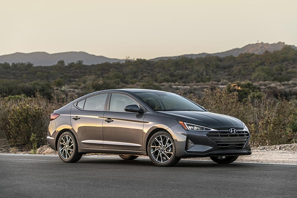 Hyundai Elantra 2019 perfil