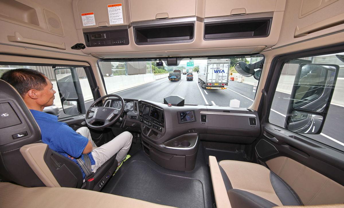 Hyundai Xcient cabina