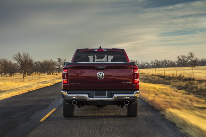 RAM 1500 Limited 2019 posterior