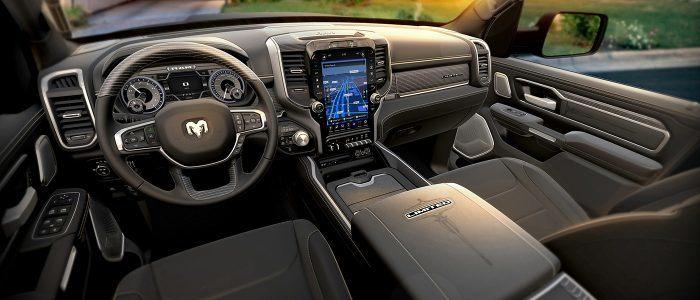 RAM 1500 2019 interior