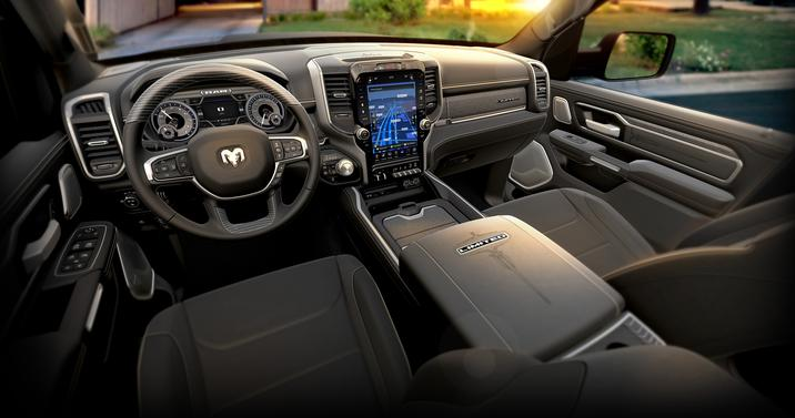 RAM 1500 Limited 2019 interior