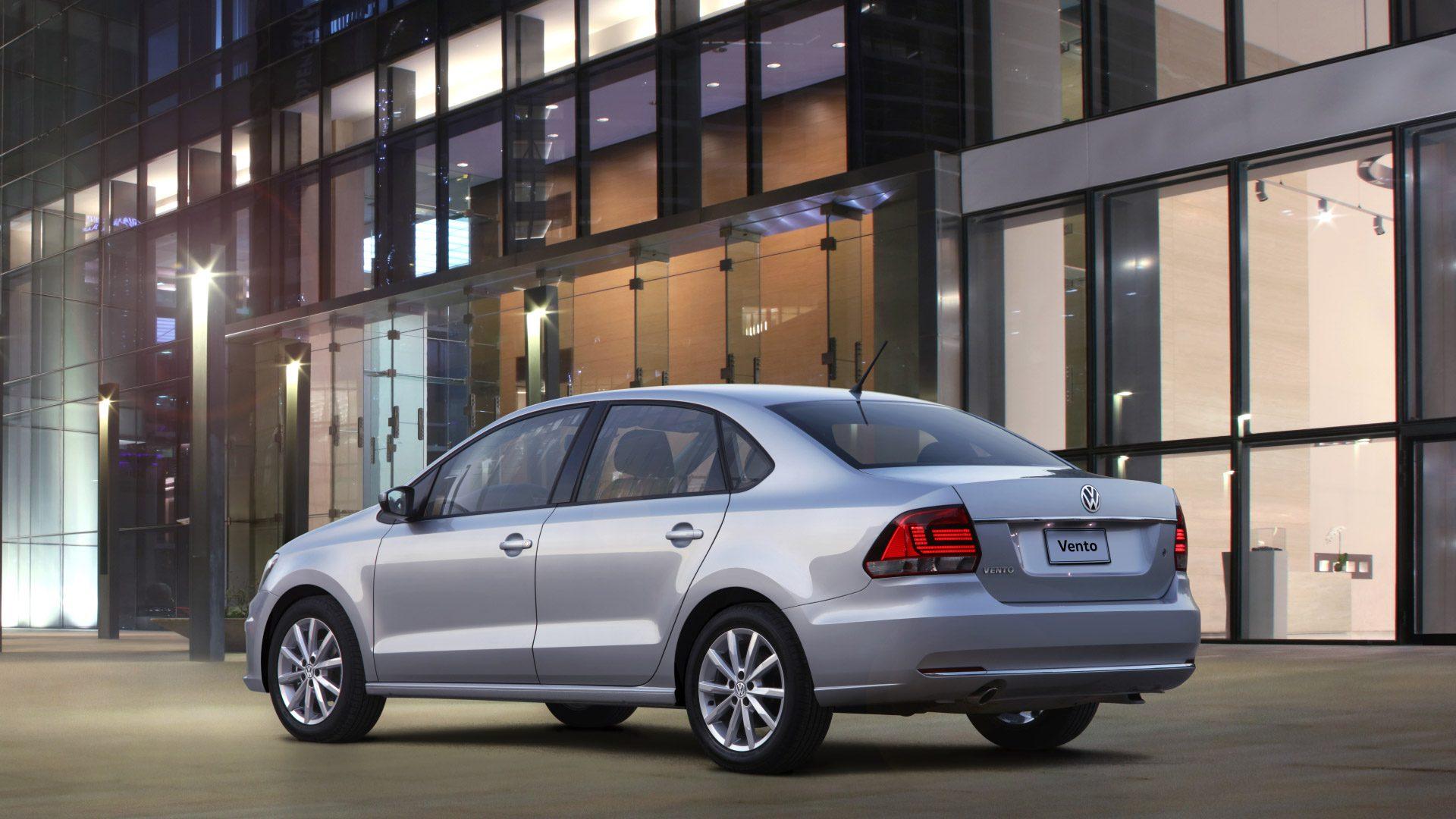 VW Vento 2019 posterior