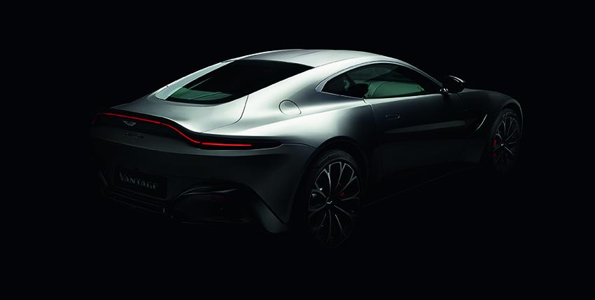 Aston Martin Vantage 2019 perfil posterior