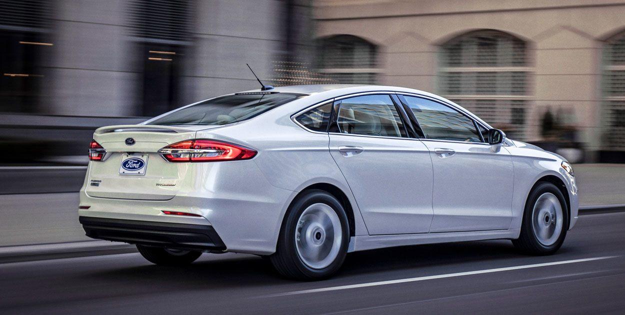 Ford Fusion 2019 posterior