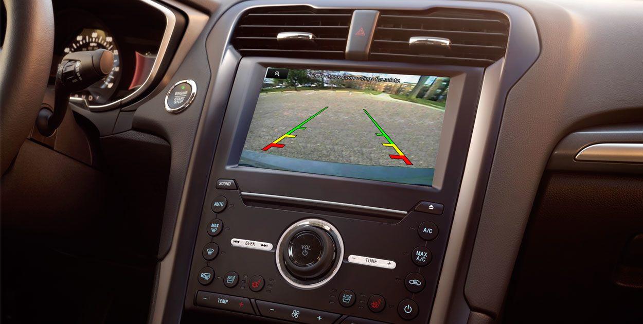 Ford Fusion Híbrido 2019 pantalla
