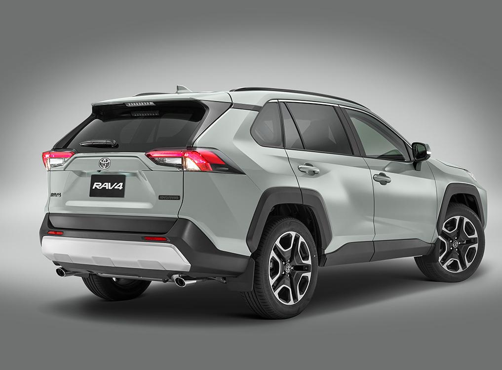 Toyota RAV4 2019 en México de lado posterior nuevo diseño