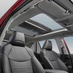 Toyota RAV4 2019 en México interior con techo panorámico