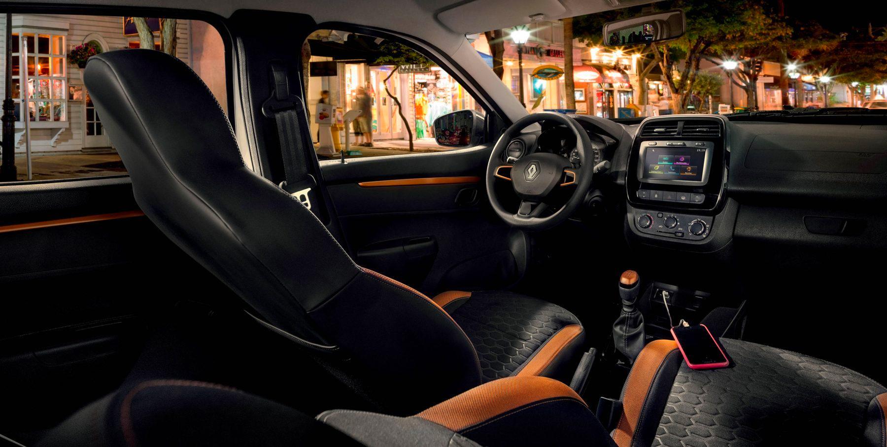 Renault KWID 2019 México, diseño interior con asientos y pantalla touch