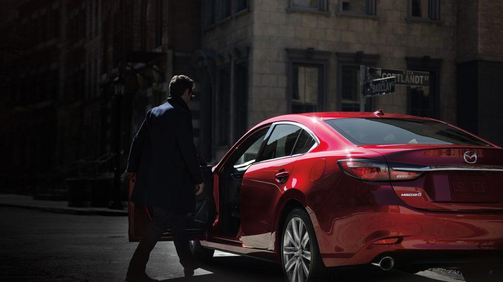 Mazda 2020 México estacionado parte posterior
