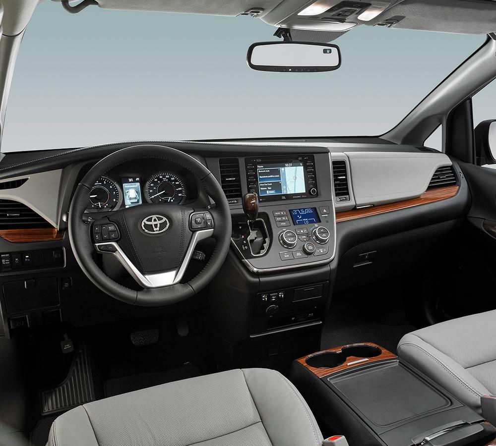 Toyota Sienna 2020 para México - interior consola, volante y pantalla touch