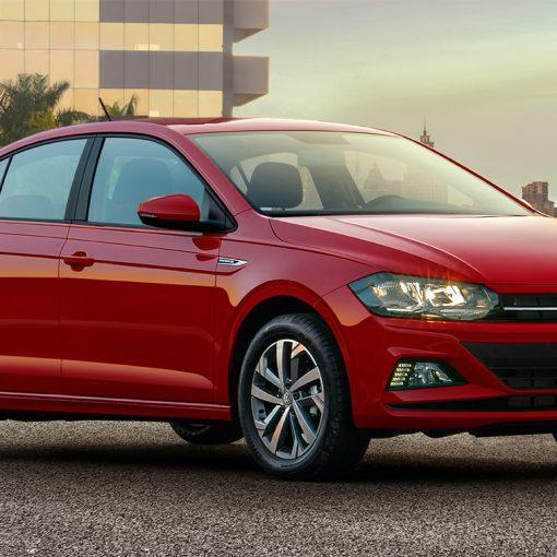 Volkswagen Virtus 2020 en México en color rojo de cerca