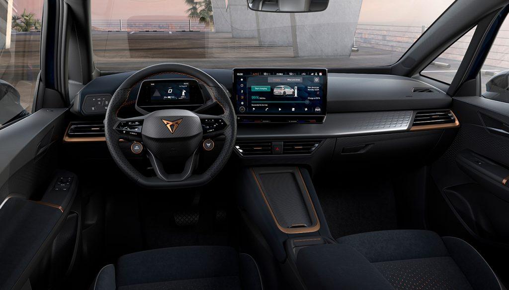 Cupra Born 100% eléctrico interior volante, pantalla