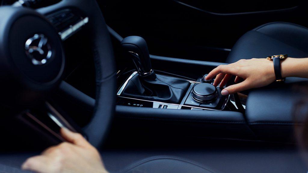 Mazda 3 sedán 2021 en México palanca