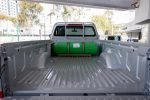 Nissan Np300 conversión a Gas natural tanque en caja