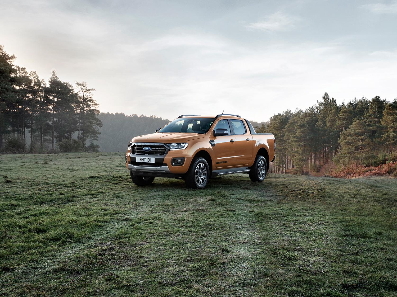 Ford Ranger Wildtrak 2021 en México - diseño exterior color naranja