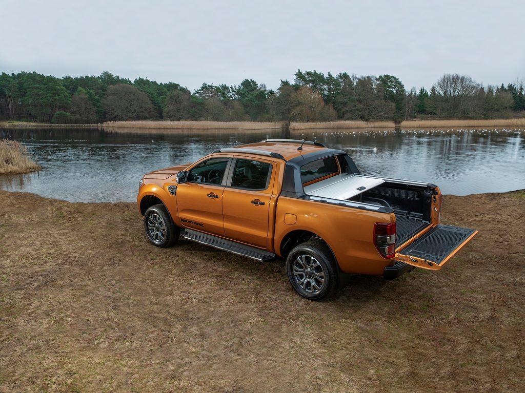 Ford Ranger Wildtrak 2021 en México - diseño exterior caja color naranja