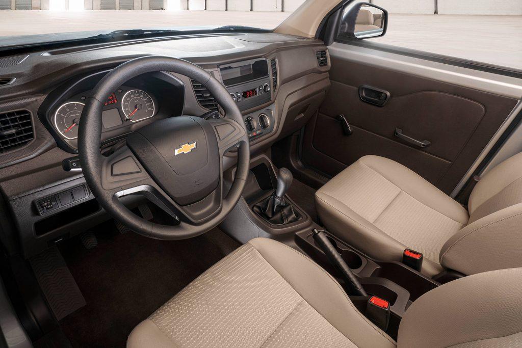 Chevrolet Tornado Van 2022 en México color blanco diseño interior asientos