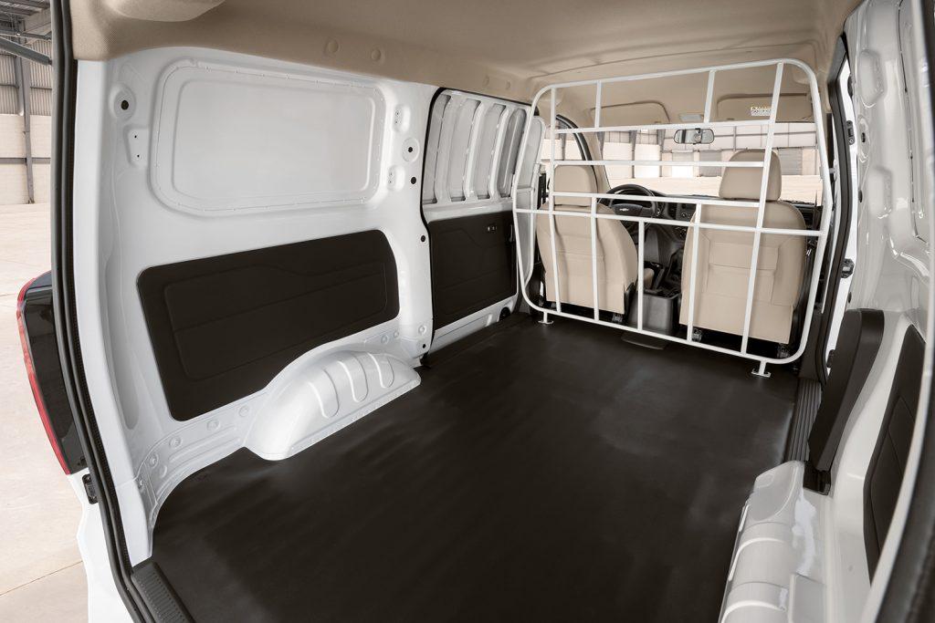 Chevrolet Tornado Van 2022 en México color blanco espacio interior