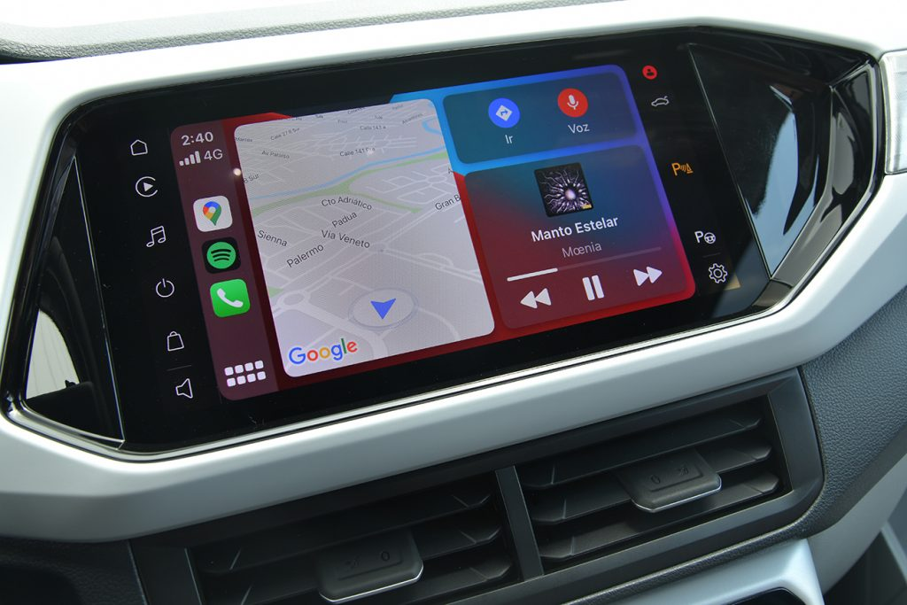 Volkswagen T-Cross 2021 en México interior pantalla con Android Auto y Apple CarPlay