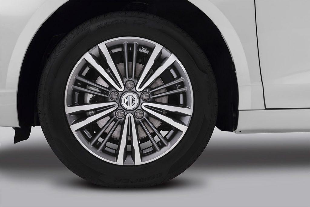 MG 5 2021 en México rines de aluminio
