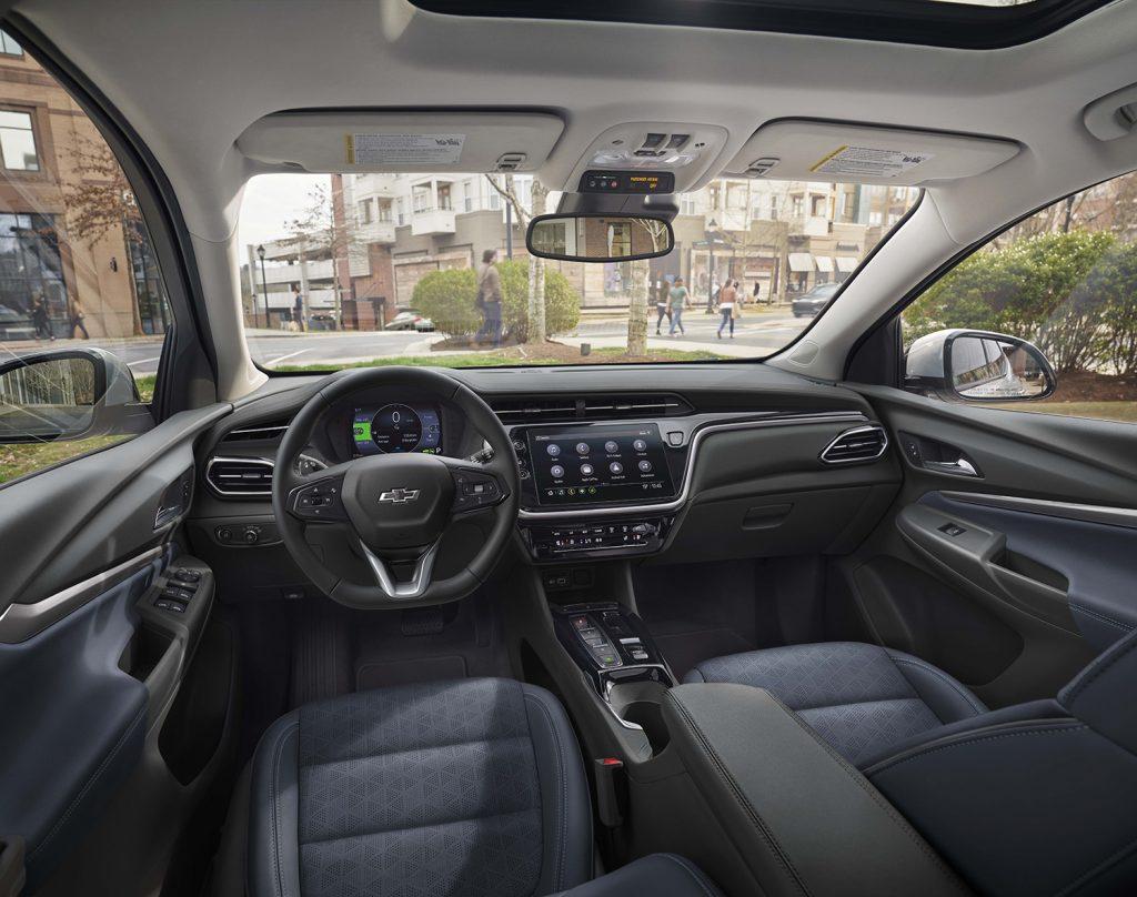 Chevrolet Bolt EUV 2022 en México interior, pantalla touch, volante, asientos, tablero
