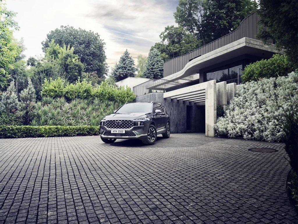 Hyundai Santa Fe 2022 en México - exterior estacionada