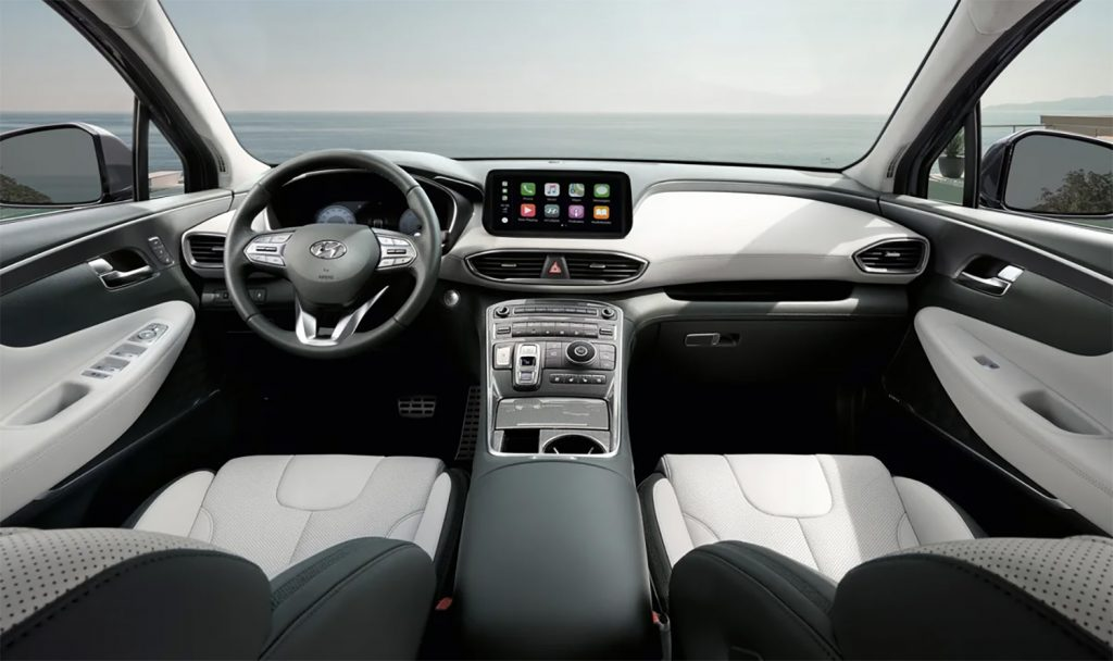 Hyundai Santa Fe 2022 en México - interior tablero, volante, consola, pantalla con Android Auto y Apple Car Play