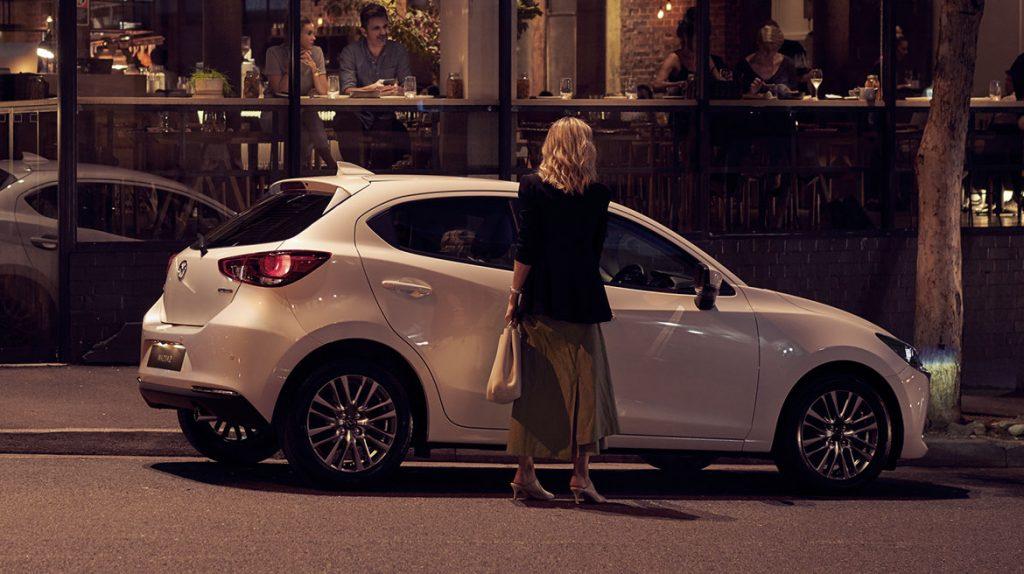 Mazda 2 hatchback 2022 México color blanco