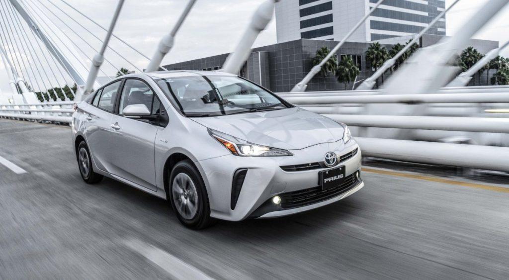 Toyota Prius 2022 en México exterior en calle