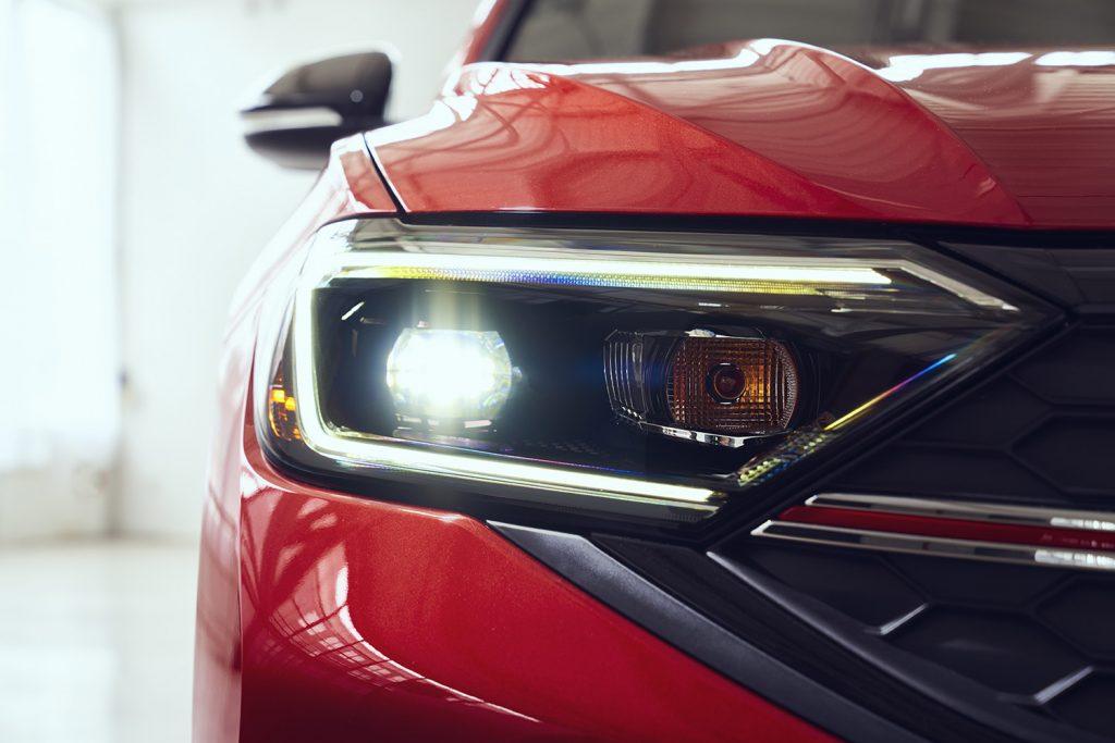 Volkswagen Jetta 2022 en México - exterior faro frontal LED