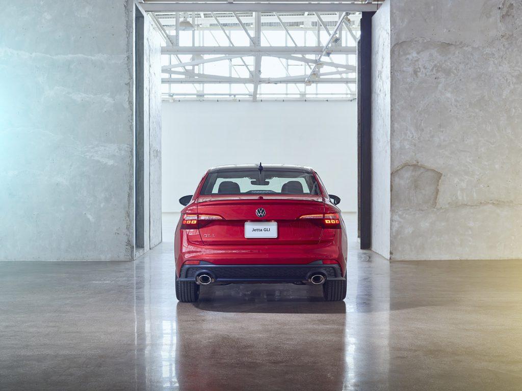 Volkswagen Jetta 2022 en México - posterior faros, escapes