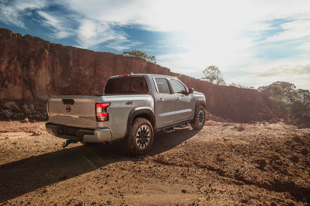 Nissan Frontier V6 PRO-4X 2022 en México parte trasera cajuela
