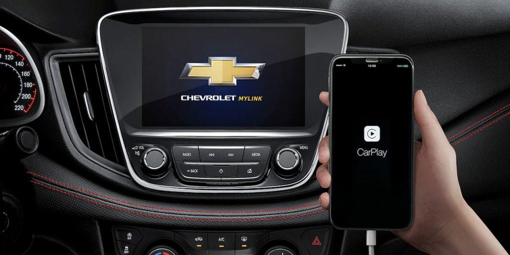 Chevrolet Cavalier RS Turbo 2022 pantalla con conectividad con smartphones Apple CarPlay